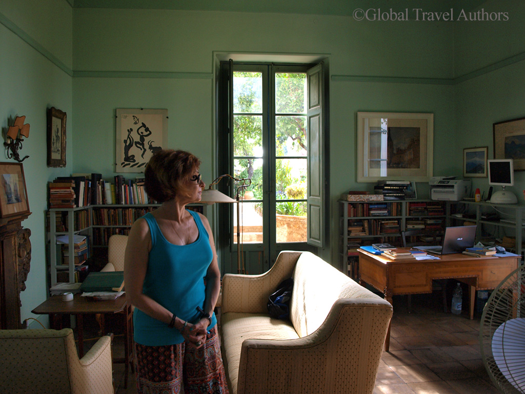 Picasso' etchings, Kinston's paintings, signed Tennessee Williams' books and private letters in Casa Cuseni