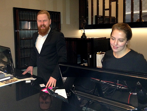 reception clerks at Hotel Borg