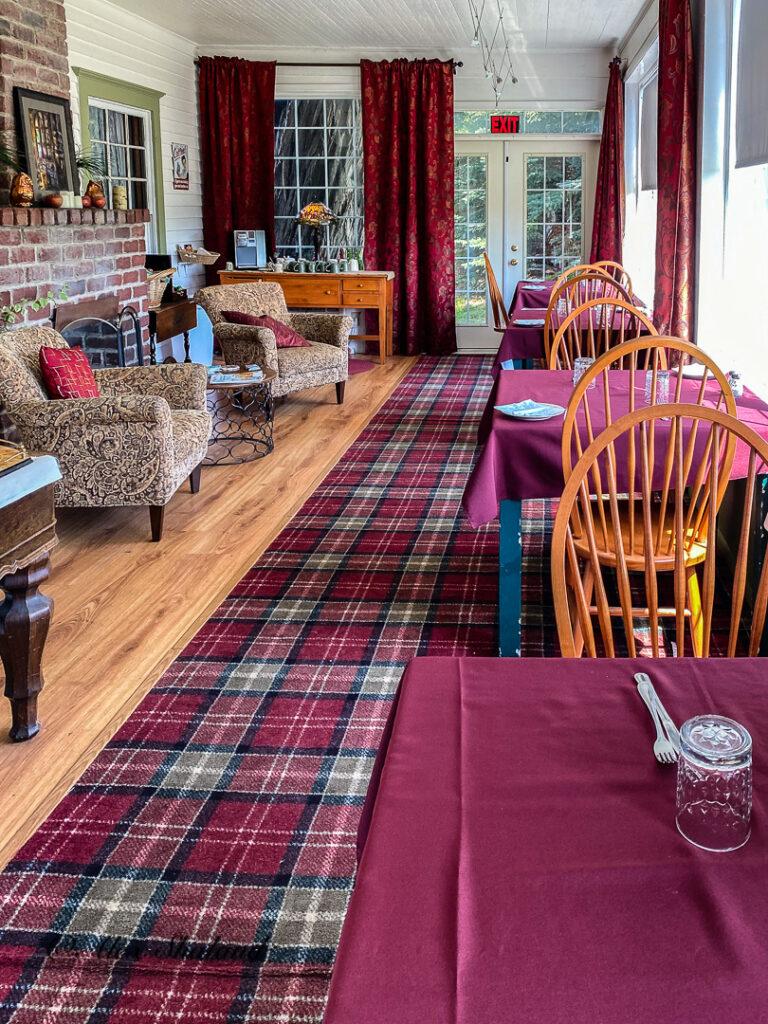Breakfast room at the Great Tree Inn.